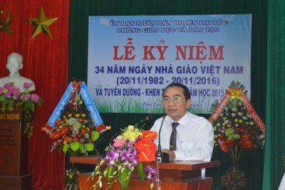 Lễ Kỷ niệm 34 năm Ngày Nhà giáo Việt Nam và Tuyên dương khen thưởng năm học 2015-2016