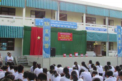 Trường THCS Phan Bội Châu tuyên truyền về phòng chống rác thải nhựa