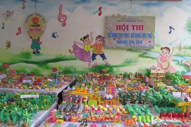 """Trường MN Đại Cường tổ chức hội thi """"Đồ dùng dạy học – đồ chơi cho trẻ"""""""
