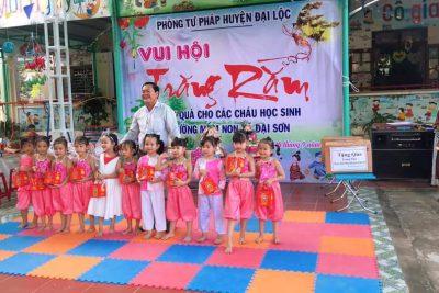 """Trường MG Đại Sơn tổ chức ngày Hội """"Vui hội trăng rằm"""""""